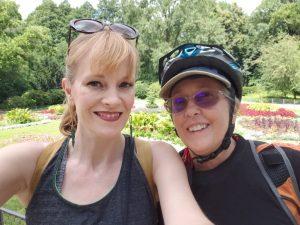 Mamacita & Christina visit the Berlin Tiergarten