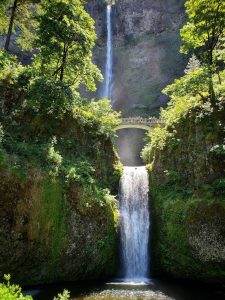 Oregon has some of the most incredible waterfalls and natural beauty in the world